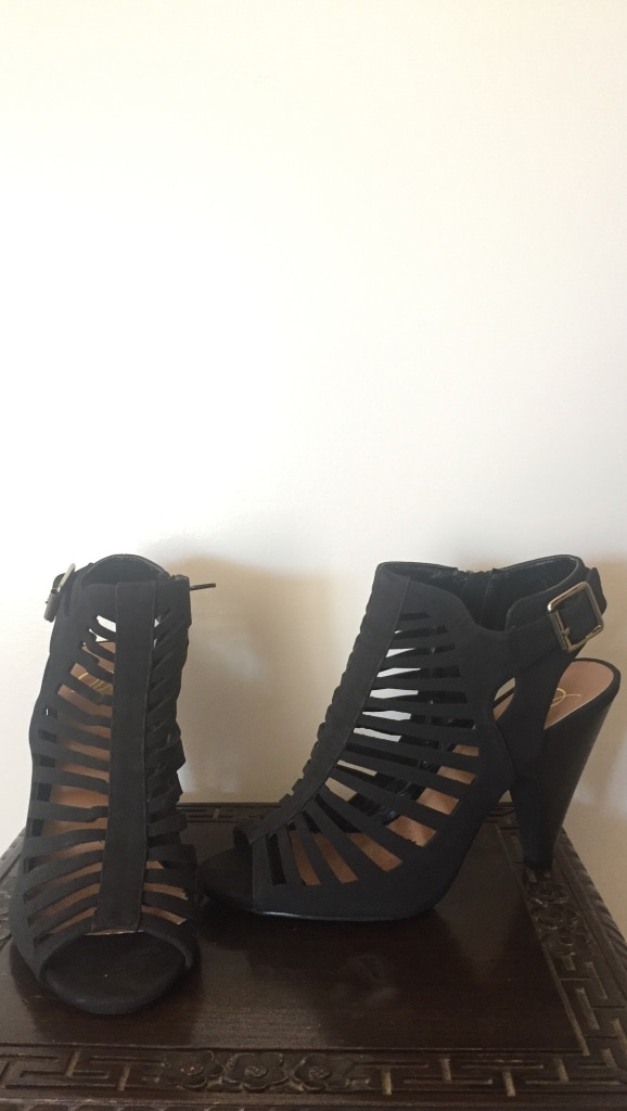 Size 8 - open toe strappy pumps