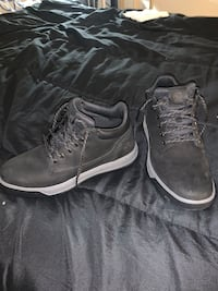 Timberlands Size 10 _Mens low cut boots  Baltimore, 21229