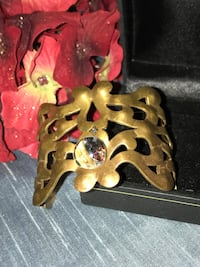 VTG ORNATE SCROLLWORK BRASS CUFF ••SOLID•• w/ glass accent ( smaller sized)