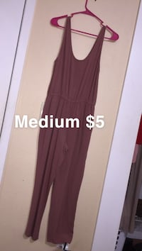 women's maroon sleeveless dress
