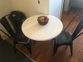 Small table and 2 chairs!