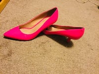 Ladies pink heels Guelph, N1E 6A6