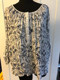 White and black floral scoop neck long sleeve dress