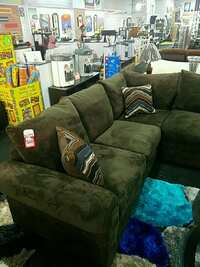 Astounding Used Couch Price Drop For Sale In Wickliffe Letgo Inzonedesignstudio Interior Chair Design Inzonedesignstudiocom