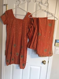 women's brown and red floral blouse Maple Ridge, V2X 2K8