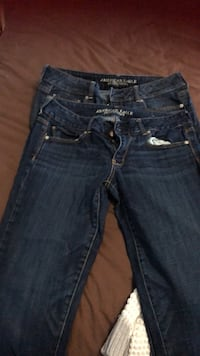 American eagle capris size 12 and 14 both fit the same as a 12  Mississauga, L5N 1Y6