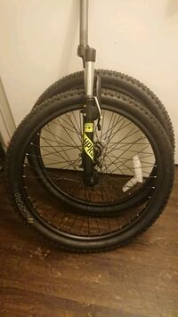 "condition: like new  26"" Wheels, Tires, and Fork"