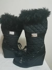 Guess fur boots with wedge heels size 8 $50 firm  Bronx, 10467