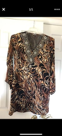 Embellished tunic top   Silver Spring, 20905