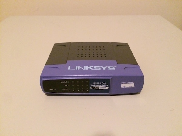 Used Cisco-Linksys EZXS55W EtherFast 10/100 5-Port Workgroup