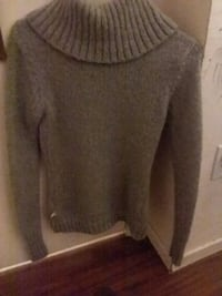 gray scoop-neck long-sleeved sweater  El Centro, 92243