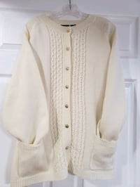 White button down sweater with pockets size 2X Fairfield, 17320