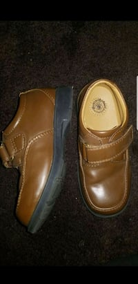 Toddler Buster Brown dress shoes size 10 M