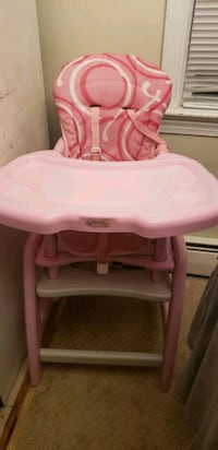 baby's pink and white high chair Arlington, 22204