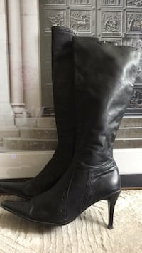 Knee high leather stiletto boots Brampton, L6T 0G2