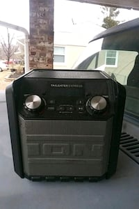 black and gray Ion guitar amplifier Clinton, 20735
