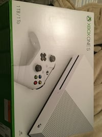 White xbox one console box Quantico, 22134