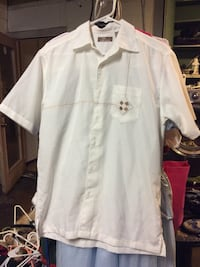 Cafe LunaWhite button-up shirt with chest pocket