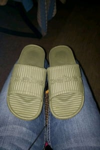 Womens Bebe Slippers  Anchorage