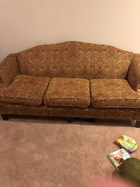Beautiful couch newly upolstered no stains or tears  Round Rock, 78664