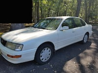 97 Toyota Avalon - Needs Brakes! Lakewood Township, 08701