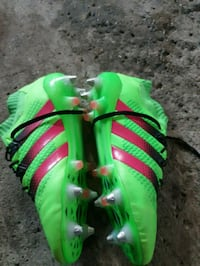 Adidas  and nike soccer cleats size 10.5 Ottawa, K1Y