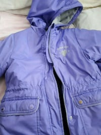 Oshkosh winter jacket size 6. Zipper not working Surrey, V3T 2Y1