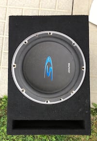Alpine S10 Subwoofer & Kicker 1000 watts amp  Ajax, L1S 5G8