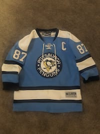 Youth large,, used penguins , Brantford, N3S 7M9