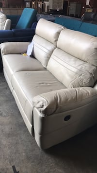 LEATHER SOFA - HIGH GRAIN LEATHER !!!! Woodinville, 98072
