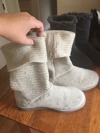 Cream knit boots. Women's size 7 Nokesville, 20181