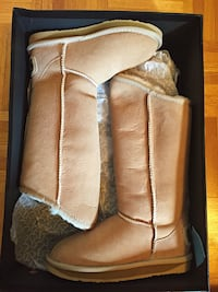 Australia Luxe Collective boots Toronto, M2L 2T9