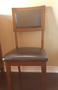 4 dinning chairs in good condition  / negotiable  Vaughan, L4L 9P5