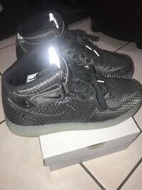 RARE NIKE AIR FORCE 1 mid's. Size 10.5 BRAND NEW