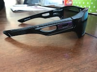 black oakley sports sunglasses