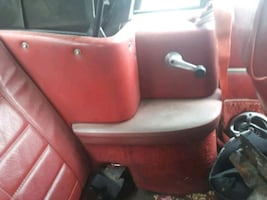 Rear interior pieces off 83 mustang convertible