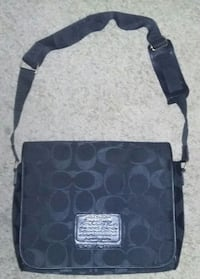 Coach authentic messenger bag never carried  Farmington, 26571