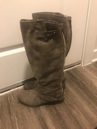 Pair of brown leather side-zip boots Herndon, 20171