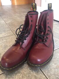 Pair of red dr. martens leather combat boots Vaughan, L4L