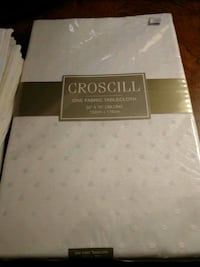 Croscill fabric tablecloth + 8 napkins Knoxville, 37922
