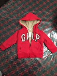 Size 2T red, black, white GAP full-zip hoodie Montreal, QC, Canada