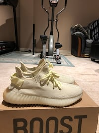 Yeezy 350 V2 butters  Mississauga, L5B