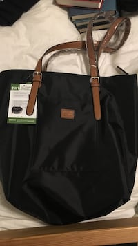ROOTS 2-in-1 shoulder bag and crossbody pouch