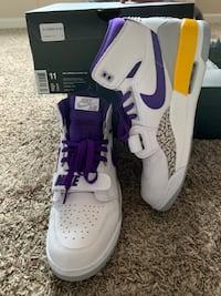 "Jordan Legacy ""Lakers"" Shoes Size 11 Orangevale, 95662"