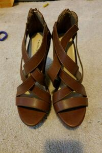 pair of brown leather open-toe sandals Woodbridge, 22191