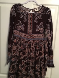 black and white floral long-sleeved dress Chattanooga, 37409