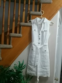 white and gray button-up long-sleeved shirt Courtice, L1E 2C7