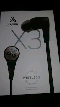 jaybird-3 wireless ear buds complete with charger  Kitchener