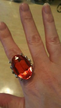 Silver & red gem stone ring Calgary, T2B 0J2