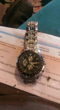 round silver-colored chronograph watch with link bracelet Uniontown, 15401